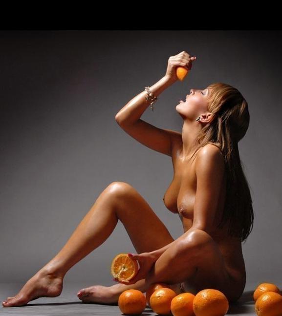 Эротика девушки и фрукты фото