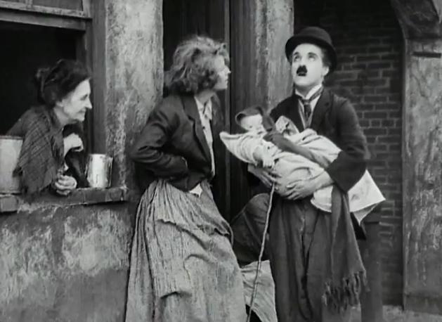 Малыш 1921 комедия Чарли Чаплина — Смотри в оба