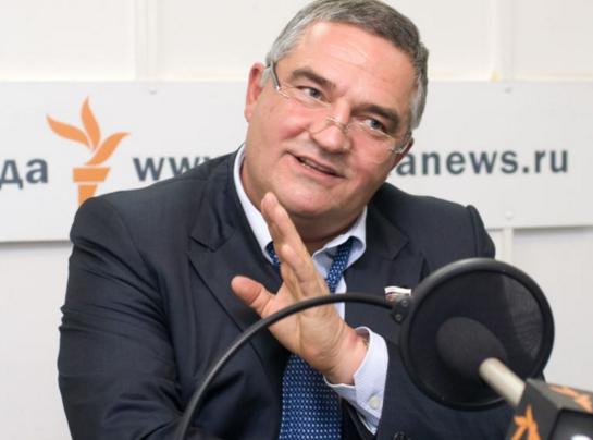 Член Совета Федерации посылает правительство России
